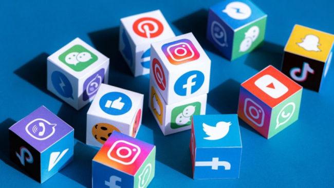manfaat social media